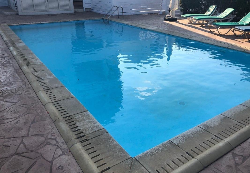 Квартира у моря на продажу - бассейн