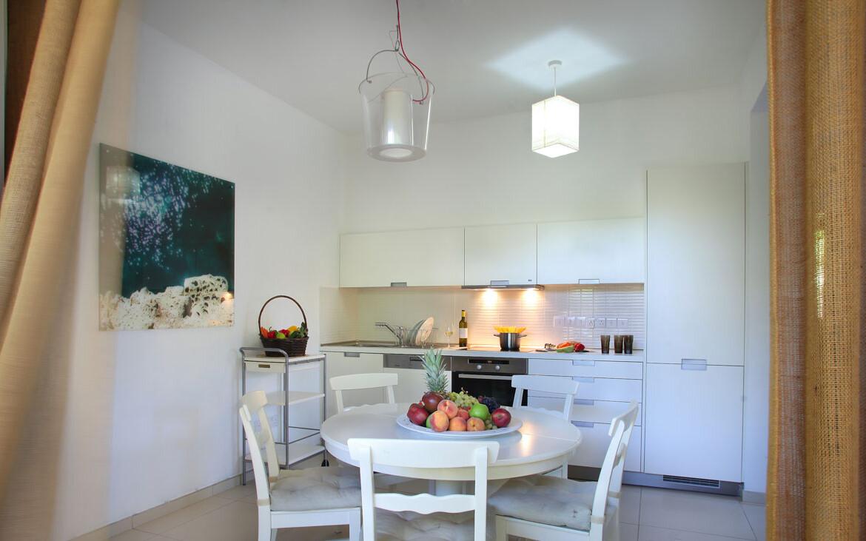 купить недвижимость на Кипре у моря - кухня