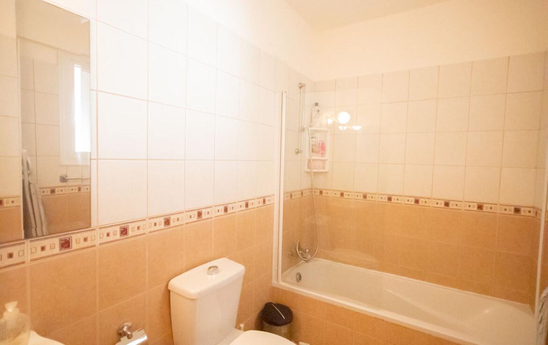 Купить квартиру на Кипре - ванная