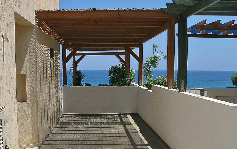 Вилла в Каво Греко возле моря