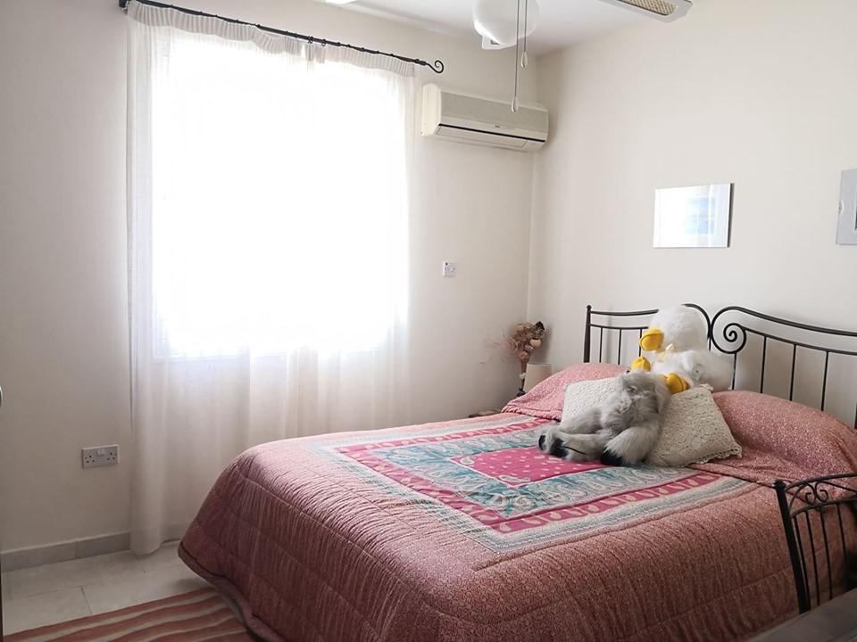 Трехспальные апартаменты в Ороклине - спальня