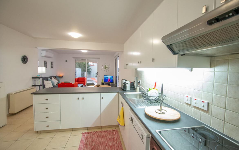 Апартаменты в Паралимни - кухня