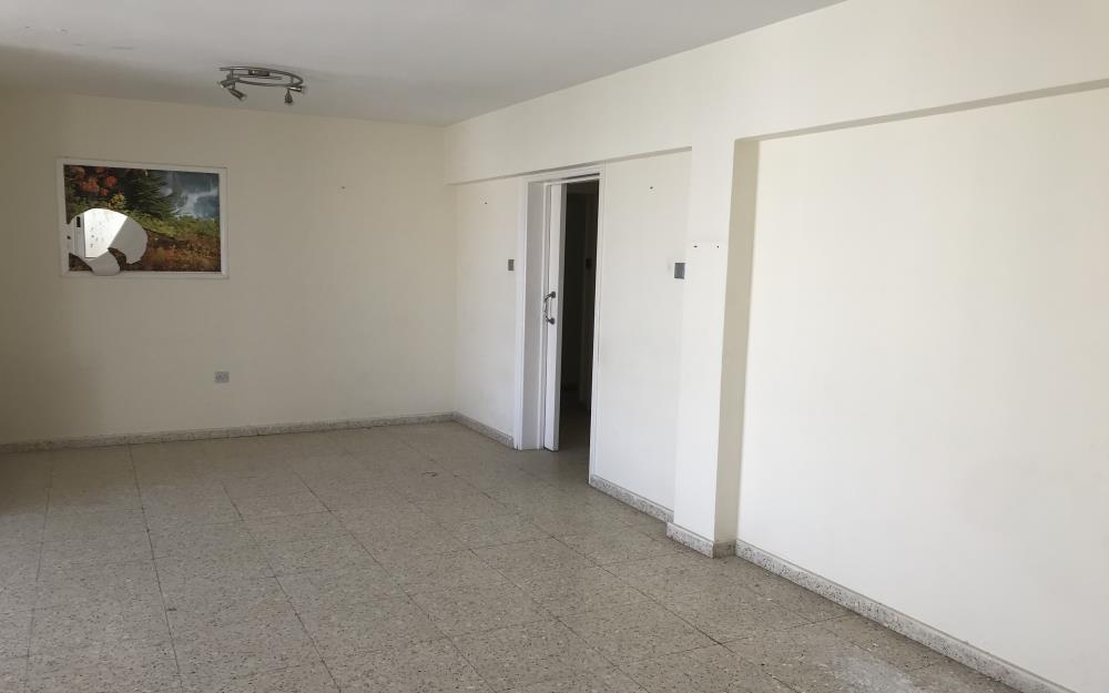Трехспальная квартира в Паралимни - зал