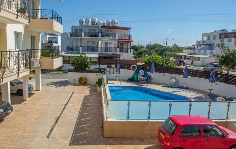 Апартаменты в Каппарисе - бассейн