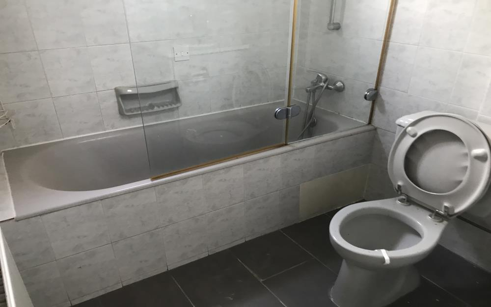 Трехспальная квартира в Паралимни - ванная