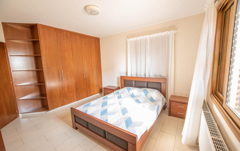 Квартира на продажу в Деринье - спальня