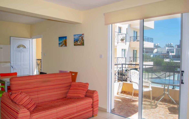 Односпальные апартаменты в Каппарисе - зал