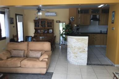 11-villa-in-livadia-5200