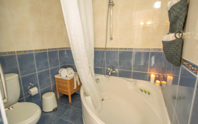 купить дом на Кипре - ванная