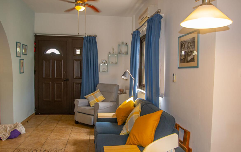 Домик во Френаросе - гостиная