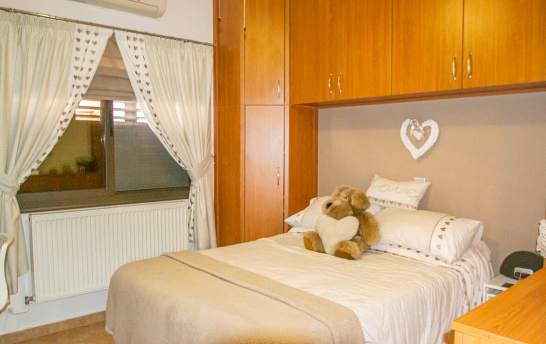 бунгало во Френаросе -спальня