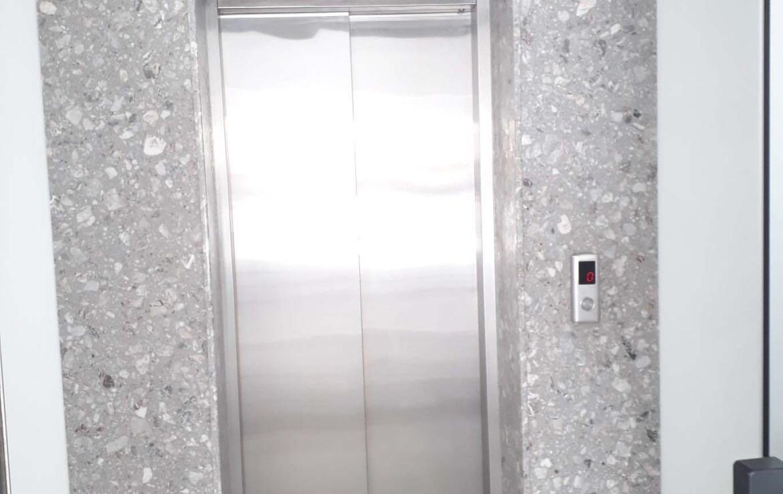 Апартаменты в Ларнаке - Лифт
