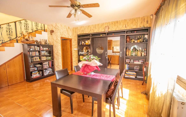 дом на продажу в Ларнаке - столовая