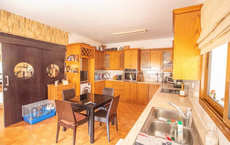 Купить дом в Ларнаке - кухня