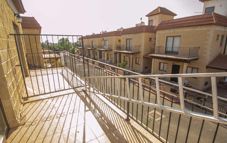 Дом в Лиопетри - балкон