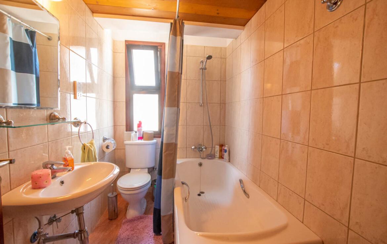Купить квартиру Айя Напа - ванная