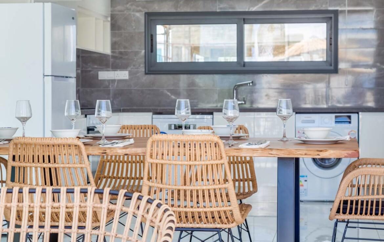 Двуспальная вилла в Каппарисе - кухня