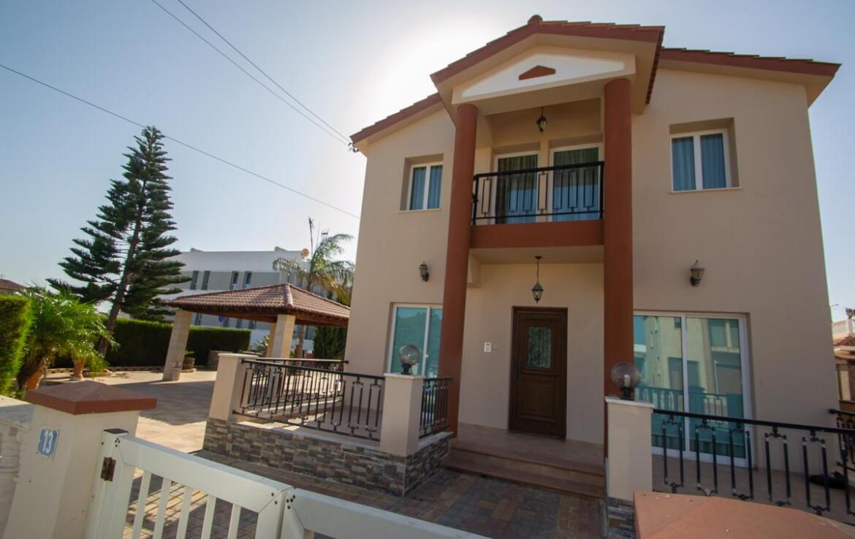 Купить дом в Паралимни