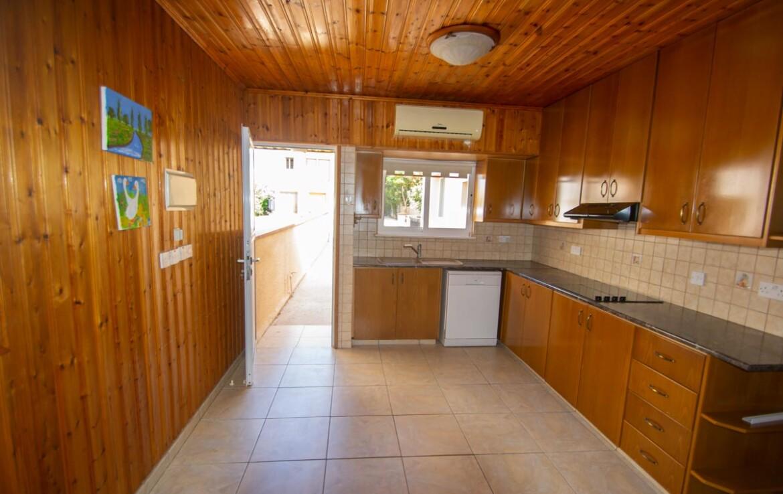 Купить дом в Паралимни - кухня