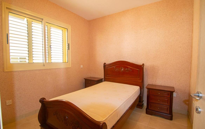 квартира в Айя Триаде - спальня