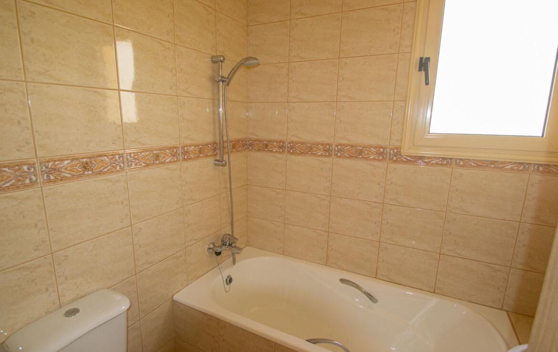 Апартаменты в Айя Триаде - ванная