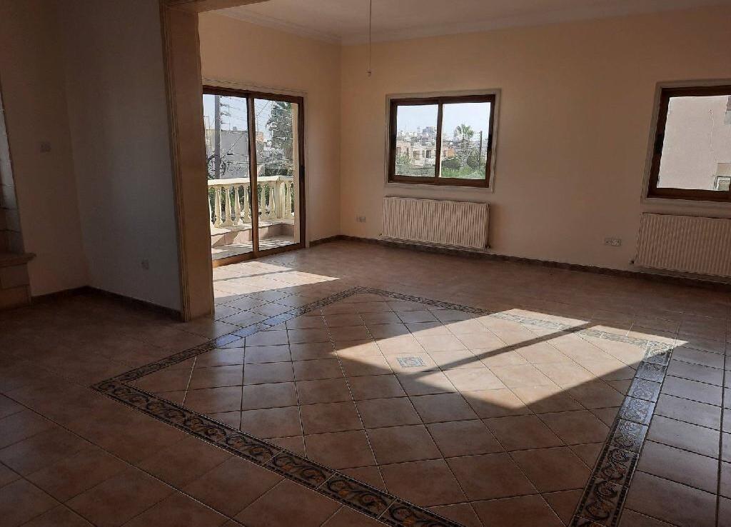 Трехспальная квартира в Сотирос - гостиная