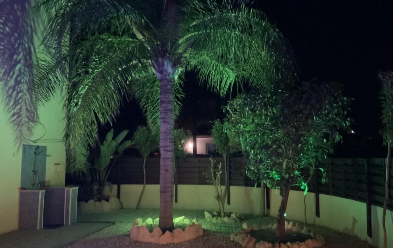 вилла 3 спальни Айя Текла - сад в ночи