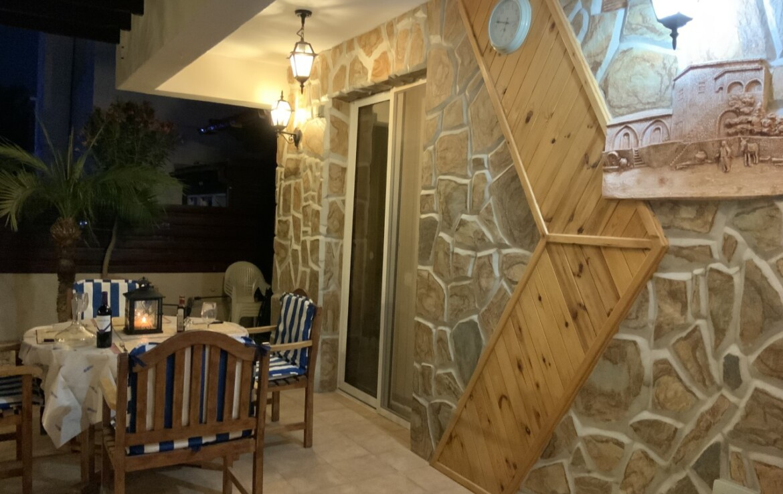 Дом в Айя Текла - веранда