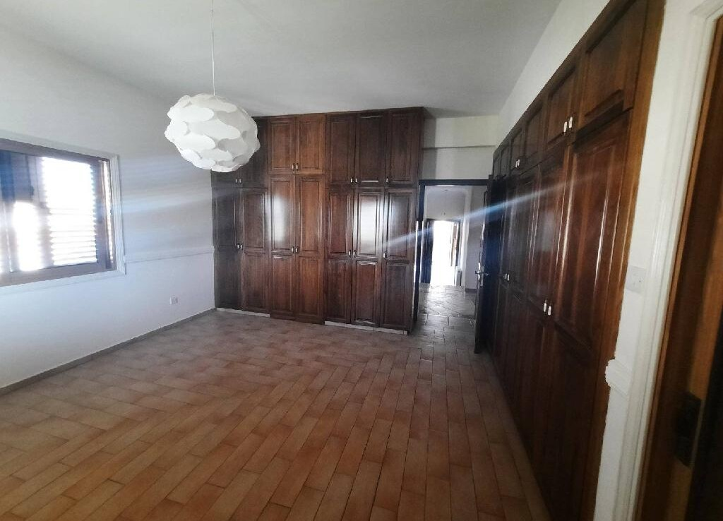 Трехспальная квартира в сотирос - спальня