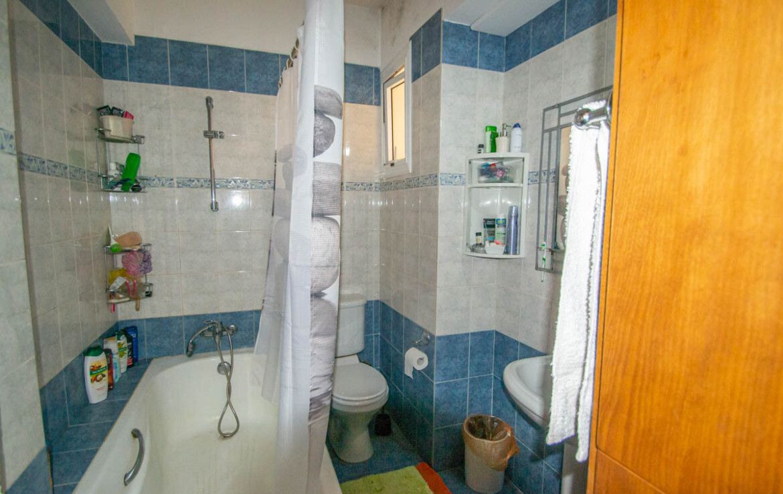 Апартаменты в Деринье - 3 спальни - ванная
