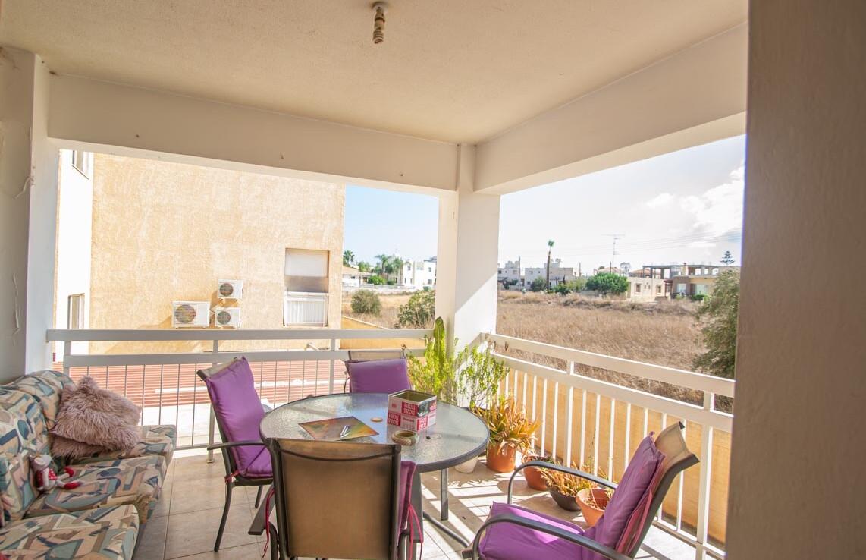 Апартаменты на продажу в Деринье - балкон