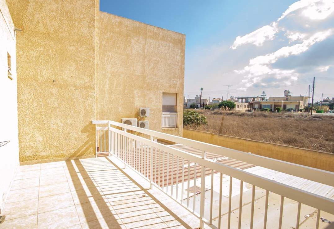 Апартаменты в Деринье - 3 спальни - балкон