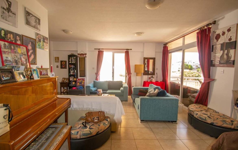 Купить апартаменты в Деринье