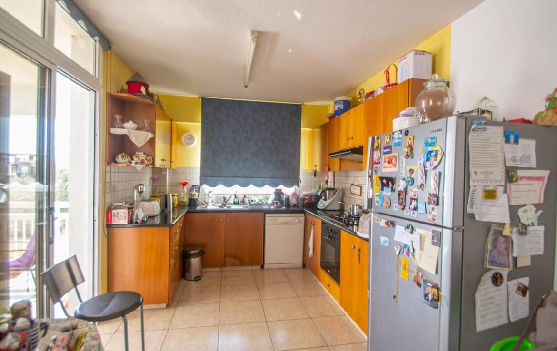 Апартаменты в Деринье - 3 спальни - кухня