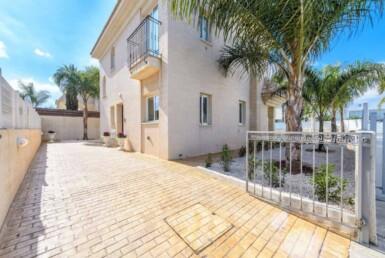 2-Villa-for-sale-in-Kapparis-5474