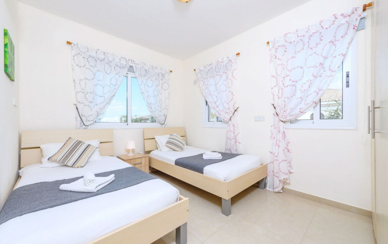 Вилла в Каппарисе - спальня