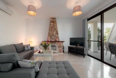 12-Villa-for-sale-cape-greco-5554