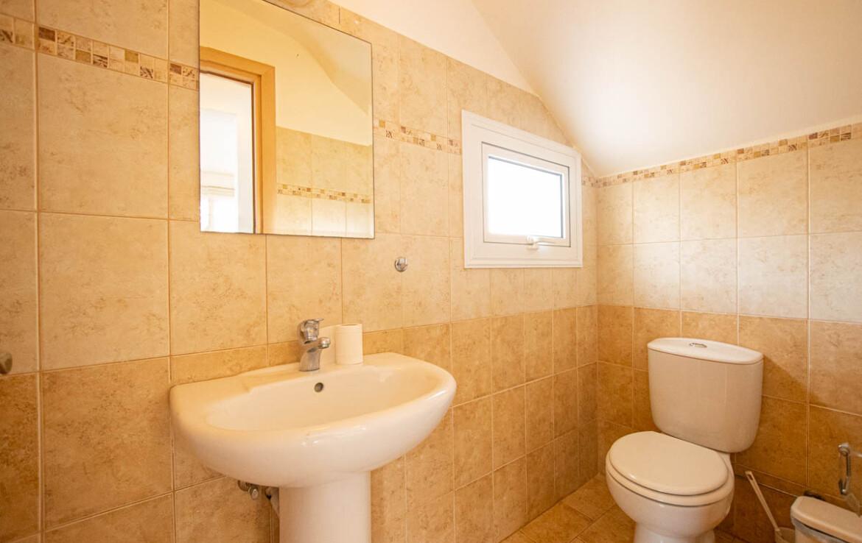 Трехспальная вилла в Пернере - гостевой туалет