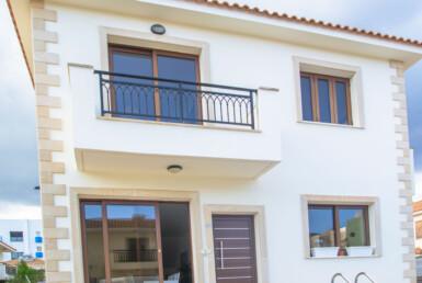 2-villa-in-pernera-5611.