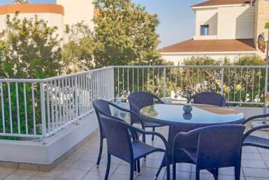 1-apartment-with-large-veranda-5636