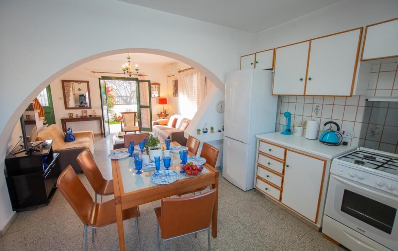 Уютная вилла в Айя Триаде на продажу - кухня