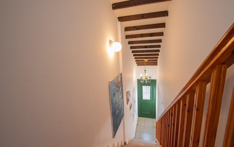 Уютная вилла в Айя Триаде - лестница