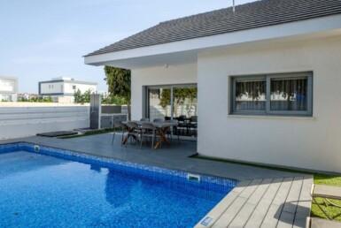 2-2-bed-villa-in-pervolia-5643