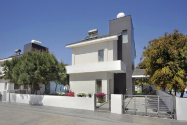 4-3-bed-villa-in-pervolia-5644