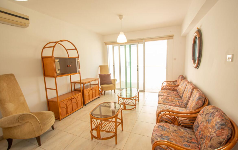 Двуспсальные апартаменты в Каппарисе - гостиная