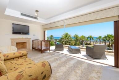 12-seafront-villa-in-ayia-thekla-5666