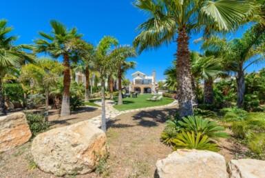 3-seafront-villa-in-ayia-thekla-5666