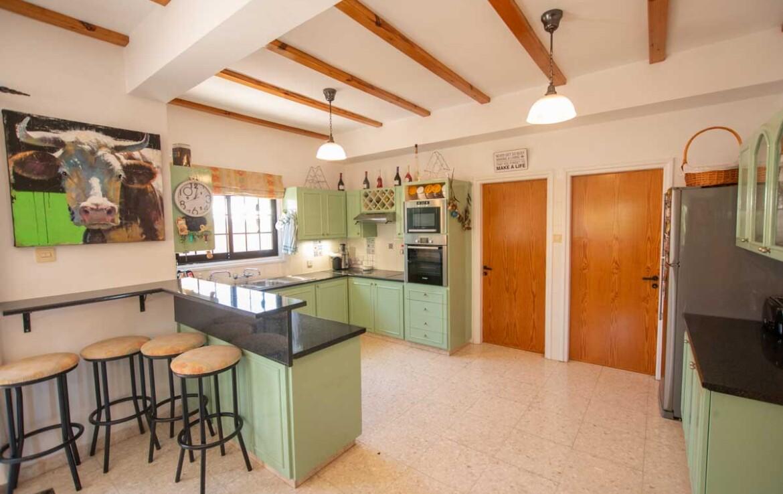 Дом в Деринье - кухня