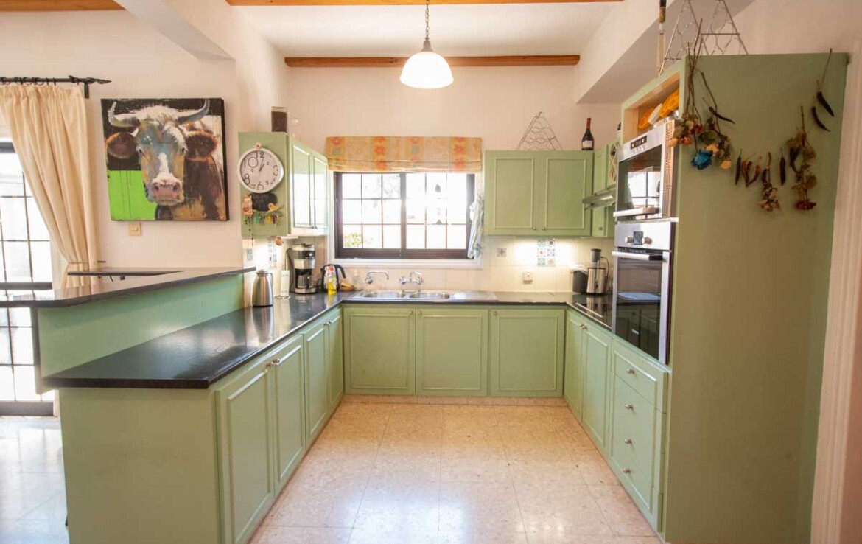 Вилла в Деринье - кухня