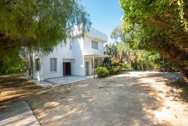 12-8-bed-villa-in-protaras-5703